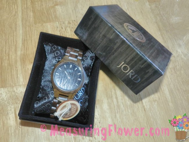 The Mister was sent the Black Fieldcrest Series wooden wrist watch to review.