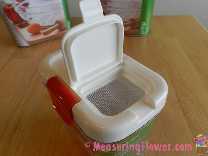 The Powdered Sugar Keeper also has lid that pops open to reveal a mesh screen. This screen makes sprinkling powdered sugar super easy.