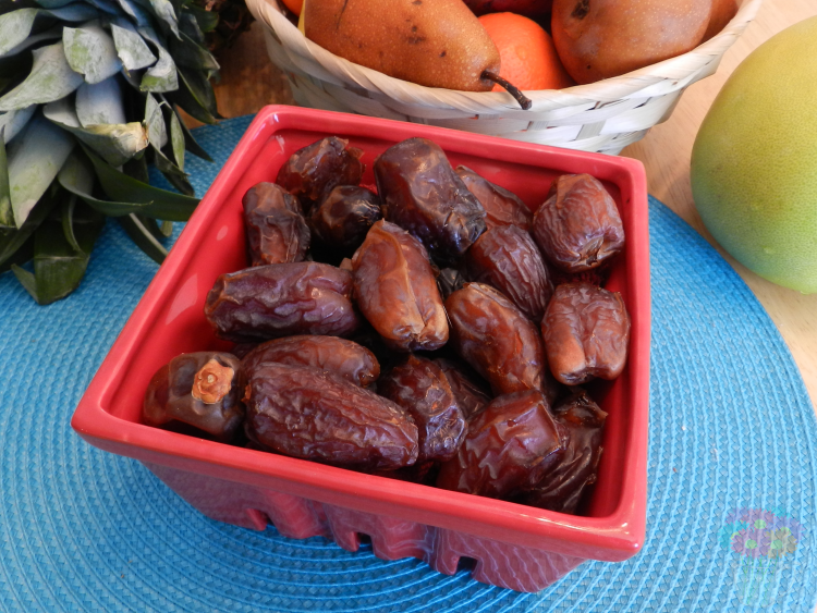 My box also came with some ridiculously delicious dates!